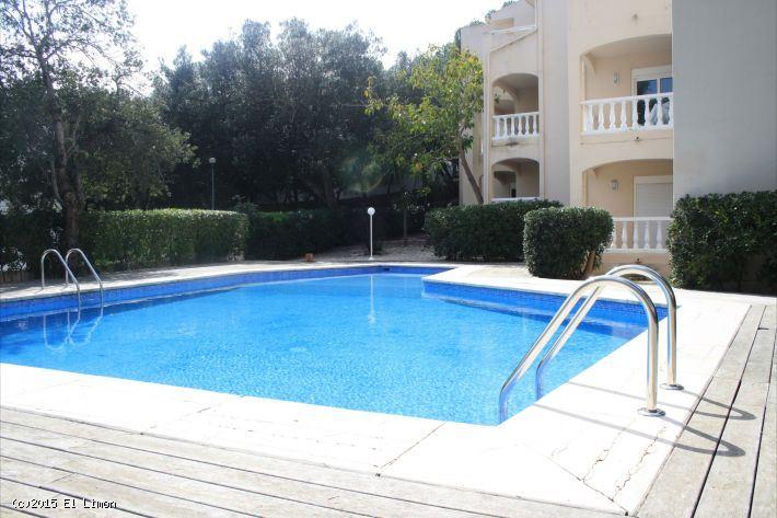 1 slaapkamer Flat te huur in Canyamel met zwembad - € 900 (Ref: 3827524)