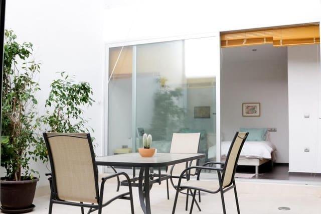 4 soverom Rekkehus til salgs i Conil de la Frontera med garasje - € 385 000 (Ref: 6365165)