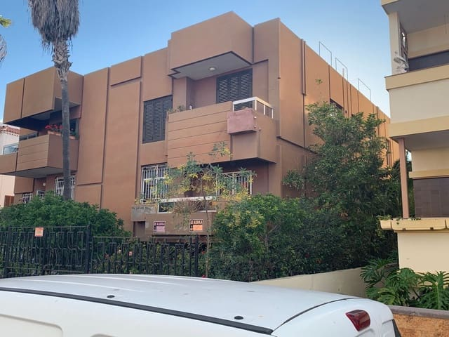 4 soverom Hus til leie i Las Palmas de Gran Canaria med garasje - € 1 200 (Ref: 4700291)