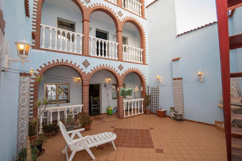 5 quarto Casa em Banda para venda em Santa Lucia de Tirajana - 360 000 € (Ref: 5745142)