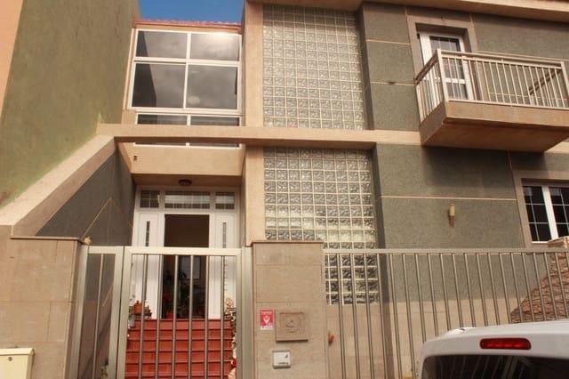 7 quarto Moradia para venda em Arinaga com garagem - 430 000 € (Ref: 6149970)