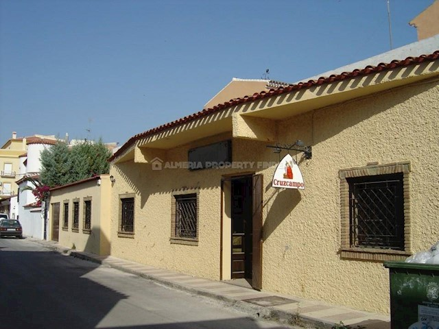 Commercial for sale in Cantoria - € 207,500 (Ref: 3693411)