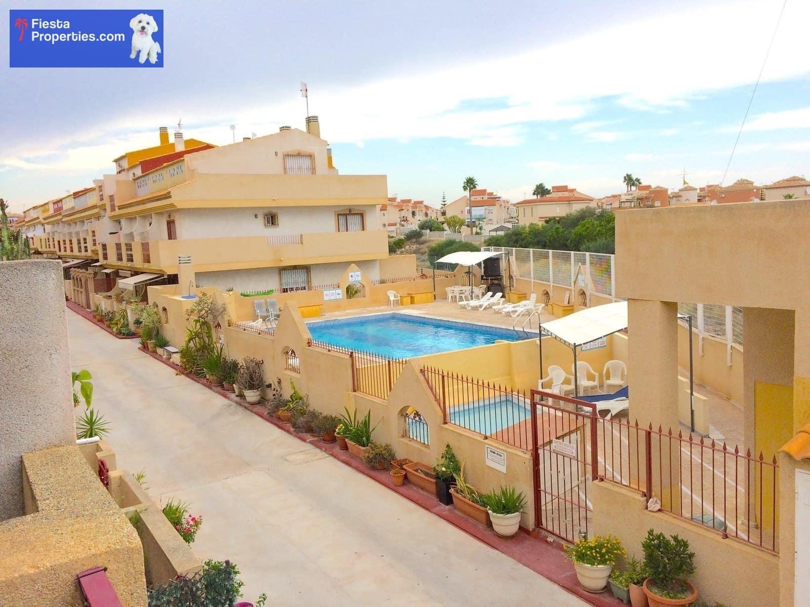 Casa de 3 habitaciones en Playa Flamenca en venta con piscina - 105.000 € (Ref: 5051026)