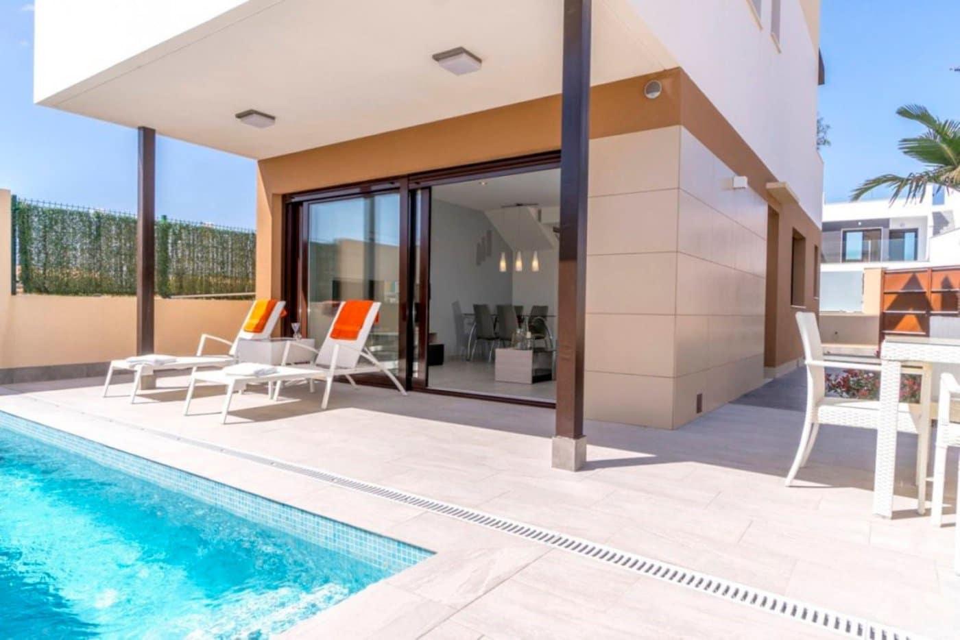 3 bedroom Semi-detached Villa for sale in San Pedro del Pinatar with pool - € 225,000 (Ref: 5456274)