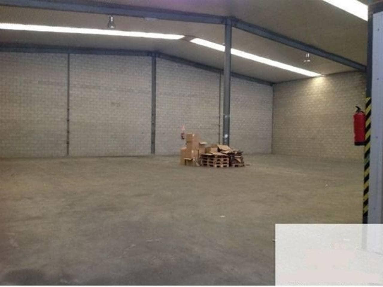 Commerciale in vendita in Alovera - 345.000 € (Rif: 3857476)