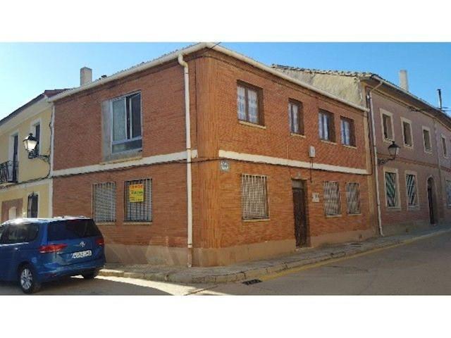 3 soverom Villa til salgs i Becerril de Campos - € 13 000 (Ref: 3835792)
