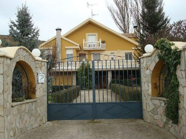 6 soverom Villa til salgs i Monzon de Campos - € 250 000 (Ref: 3835844)