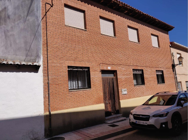 Chalet de 3 habitaciones en Paredes de Nava en venta - 50.000 € (Ref: 4629132)