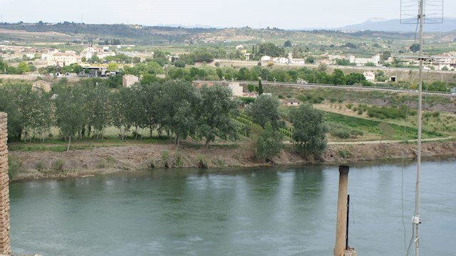 4 bedroom Townhouse for sale in Mora d'Ebre with garage - € 52,000 (Ref: 3980021)