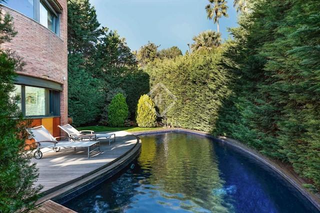 Chalet de 5 habitaciones en Barcelona ciudad en venta con piscina garaje - 2.060.000 € (Ref: 2134841)