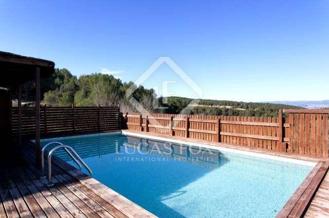 Finca/Casa Rural de 15 habitaciones en Avinyonet del Penedès en venta con piscina garaje - 1.680.000 € (Ref: 2194579)