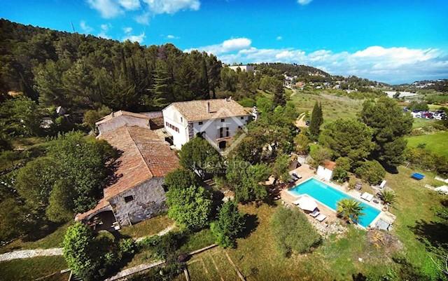 7 soverom Villa til salgs i Mediona med svømmebasseng garasje - € 1 090 000 (Ref: 2641049)