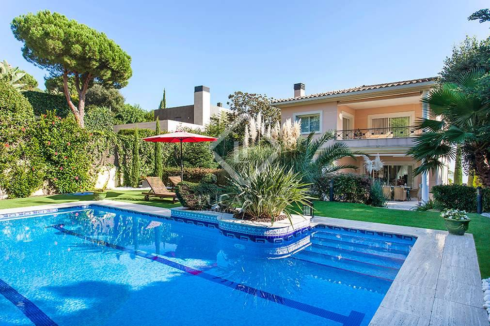 5 bedroom Villa for sale in Teia with pool garage - € 1,225,000 (Ref: 2775188)