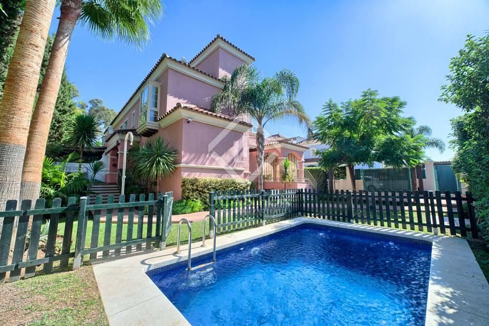 6 Zimmer Villa zu verkaufen in San Pedro de Alcantara mit Pool Garage - 1.350.000 € (Ref: 3038799)