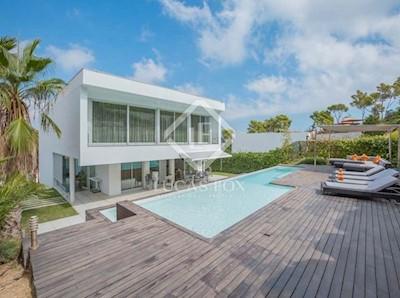 4 Zimmer Villa zu verkaufen in Sant Antoni de Calonge mit Pool Garage - 1.300.000 € (Ref: 3185633)
