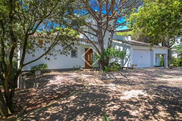 5 chambre Villa/Maison à vendre à Vallromanes avec piscine garage - 475 000 € (Ref: 3517198)