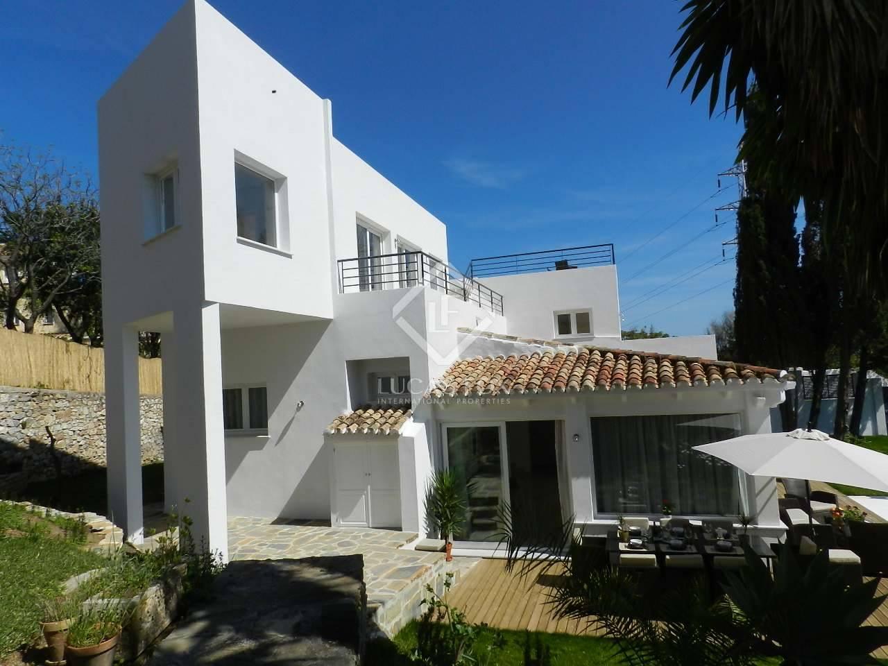 5 bedroom Villa for sale in Marbella with pool garage - € 999,000 (Ref: 3560423)