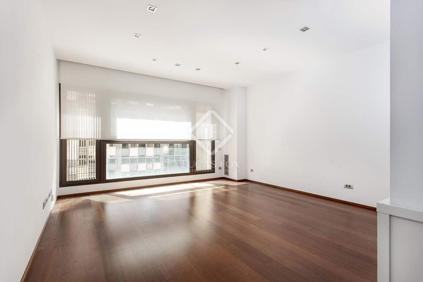 2 slaapkamer Appartement te huur in Barcelona stad - € 2.000 (Ref: 3562370)