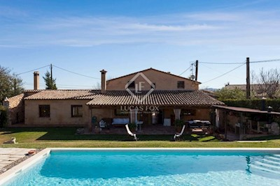 8 bedroom Finca/Country House for sale in Sant Marti Sarroca with pool garage - € 850,000 (Ref: 3654766)