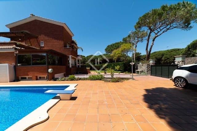 7 sovrum Villa till salu i Gava med pool garage - 1 800 000 € (Ref: 3738612)