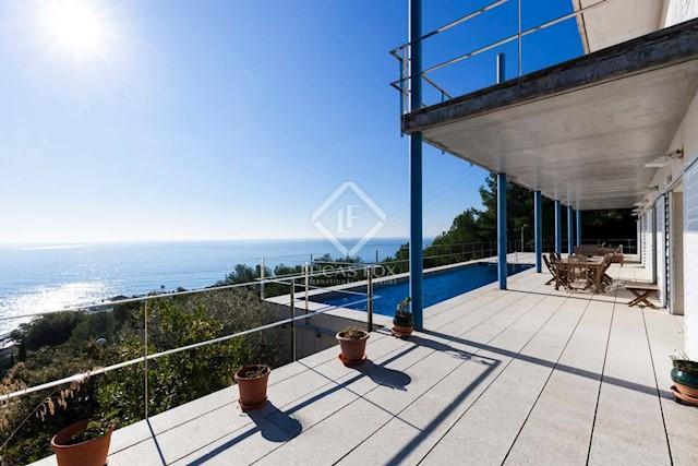 5 bedroom Villa for sale in Garraf with pool garage - € 1,400,000 (Ref: 3826212)