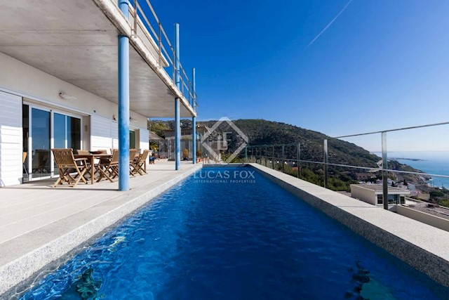 5 soverom Villa til salgs i Garraf med svømmebasseng garasje - € 1 400 000 (Ref: 3826212)