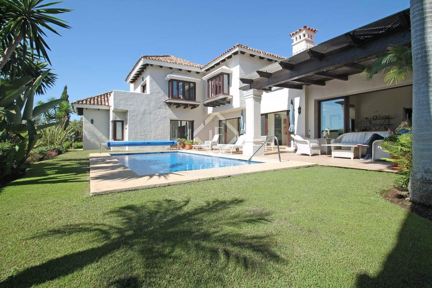 4 bedroom Villa for sale in Marbella with pool garage - € 2,100,000 (Ref: 4688713)