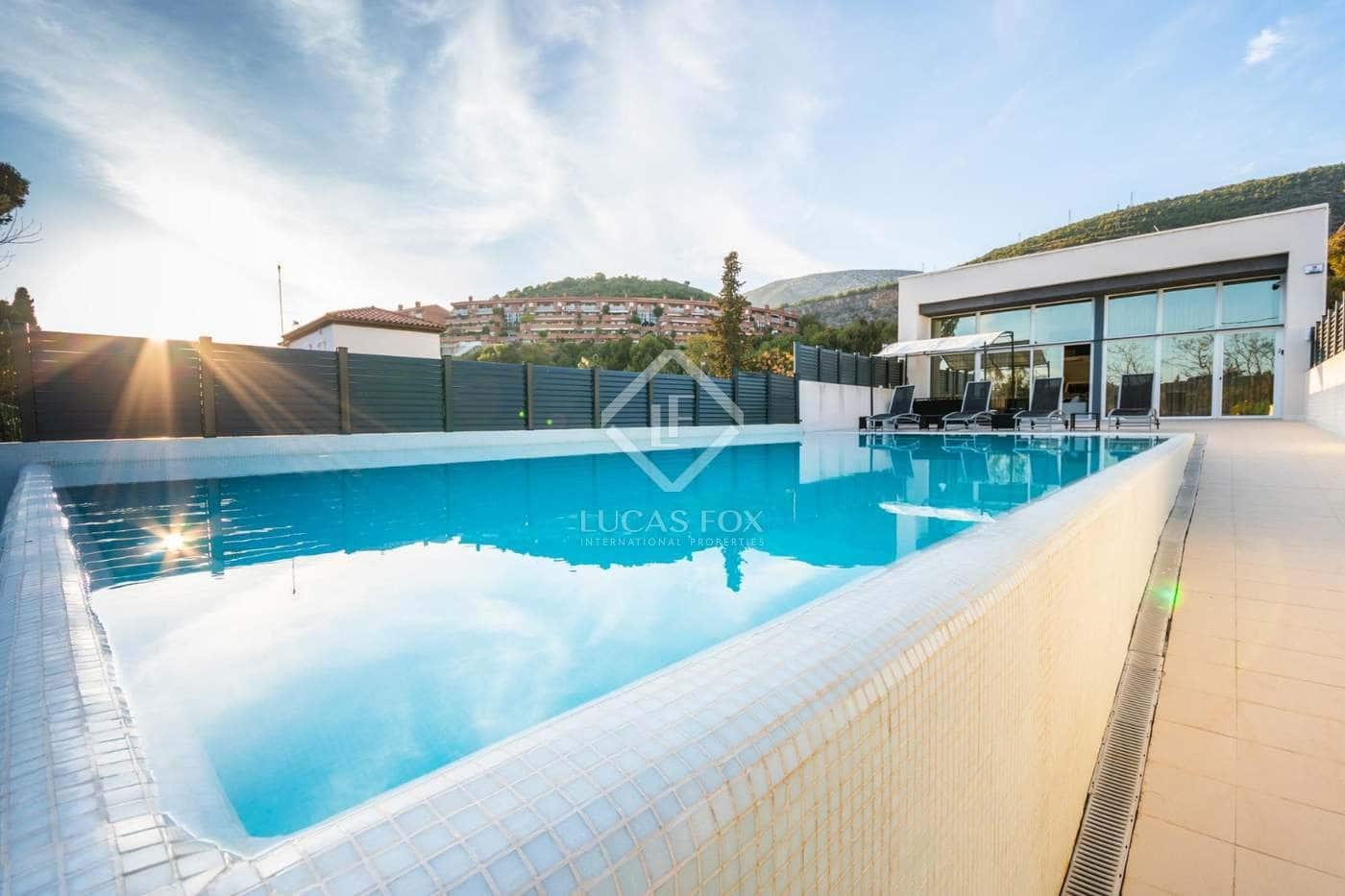 Local Comercial de 8 habitaciones en Garraf en venta con piscina garaje - 1.680.000 € (Ref: 4871599)