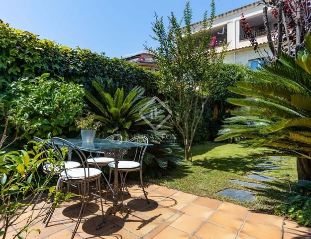 4 sovrum Villa till salu i Premia de Mar - 670 000 € (Ref: 5467217)