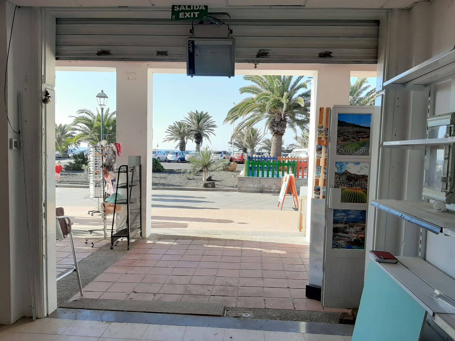 Commercial for rent in Costa Teguise - € 2,500 (Ref: 5017230)