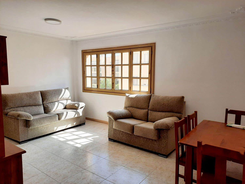 3 soveværelse Lejlighed til leje i Arrecife med garage - € 650 (Ref: 5965335)