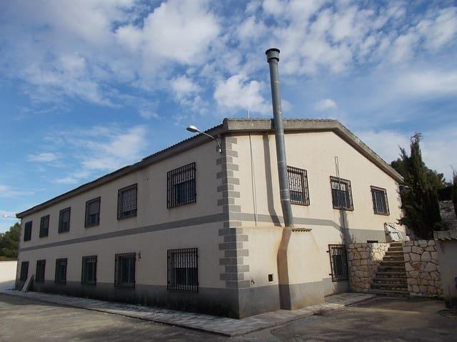 Commercial à vendre à Yecla - 165 900 € (Ref: 4926040)