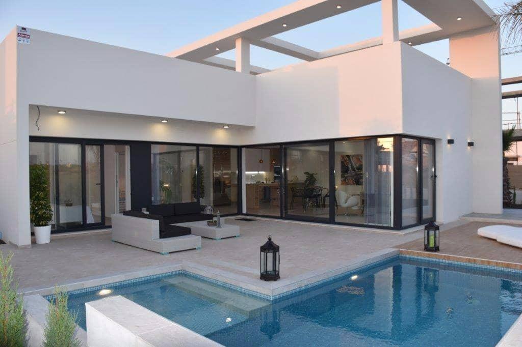 Chalet de 3 habitaciones en Benijófar en venta con piscina - 395.000 € (Ref: 3684124)