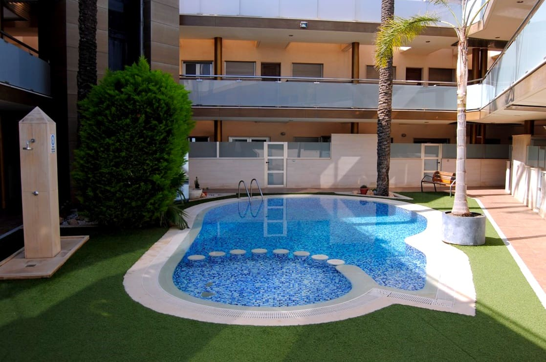 Piso de 4 habitaciones en Pilar de la Horadada en venta con piscina garaje - 320.000 € (Ref: 5064322)