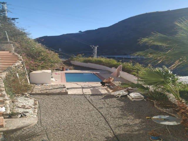 8 soveværelse Guesthouse/B & B til salg i La Rabita med swimmingpool garage - € 120.000 (Ref: 4966081)