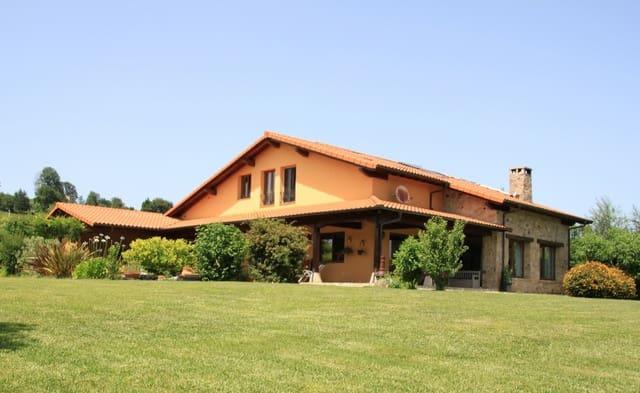 6 soverom Villa til salgs i Navajeda med svømmebasseng garasje - € 599 990 (Ref: 4665019)
