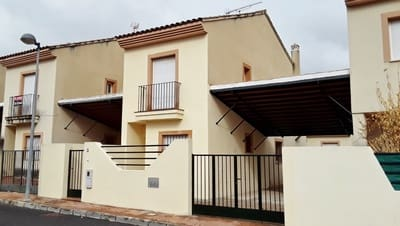 4 bedroom Villa for sale in Mollina with pool - € 92,000 (Ref: 4690302)