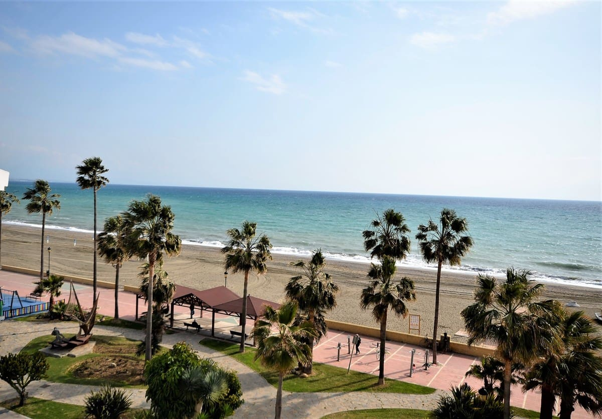 3 bedroom Penthouse for sale in San Luis de Sabinillas with pool garage - € 315,000 (Ref: 4464046)