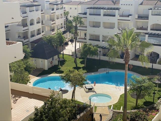 2 soveværelse Penthouse til leje i La Duquesa / Puerto de la Duquesa med swimmingpool garage - € 800 (Ref: 5930427)