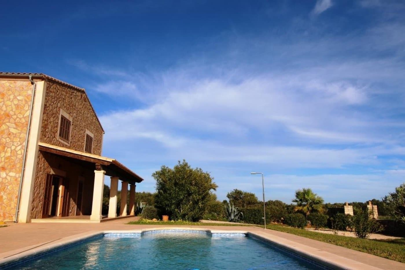 4 slaapkamer Villa te huur in Ses Salines met zwembad garage - € 2.750 (Ref: 5081975)