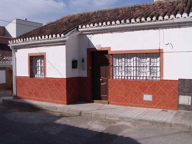 3 sypialnia Bungalow na sprzedaż w Iznalloz z basenem garażem - 40 000 € (Ref: 3086607)