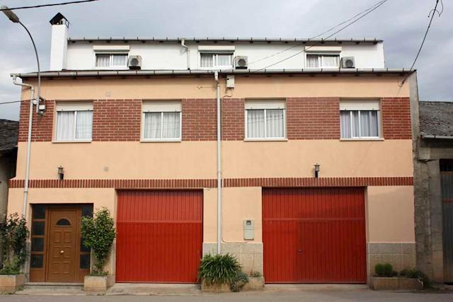6 soveværelse Villa til salg i Villafranca del Bierzo med garage - € 200.000 (Ref: 3086624)
