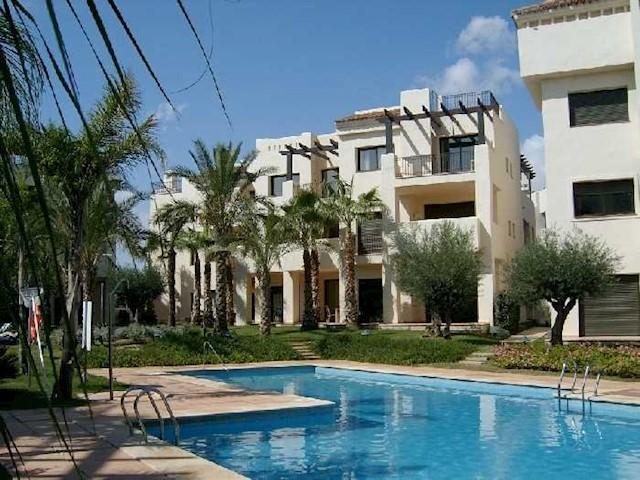 2 soverom Leilighet til salgs i Los Alcazares med svømmebasseng garasje - € 300 (Ref: 3086842)