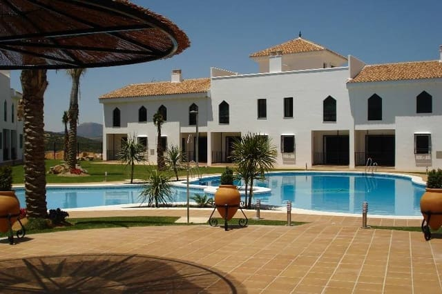 2 bedroom Apartment for holiday rental in Iznalloz with pool garage - € 150 (Ref: 3086859)