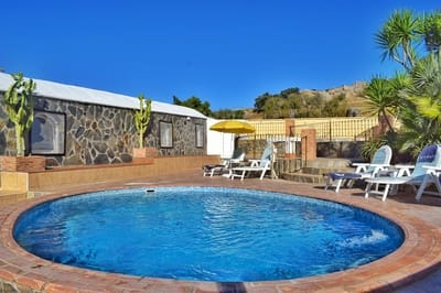 2 bedroom Villa for holiday rental in Pruna with pool garage - € 700 (Ref: 4109564)