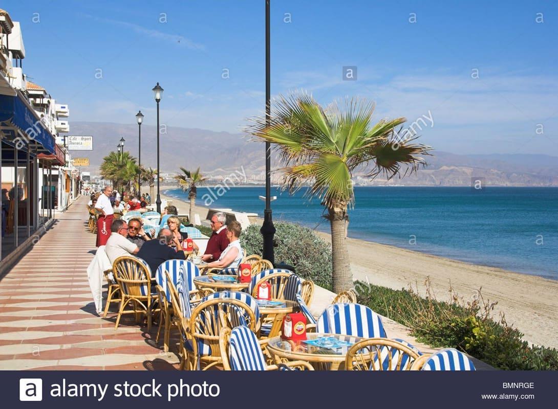 1 soverom Penthouse til salgs i Roquetas de Mar med svømmebasseng - € 225 (Ref: 4401566)