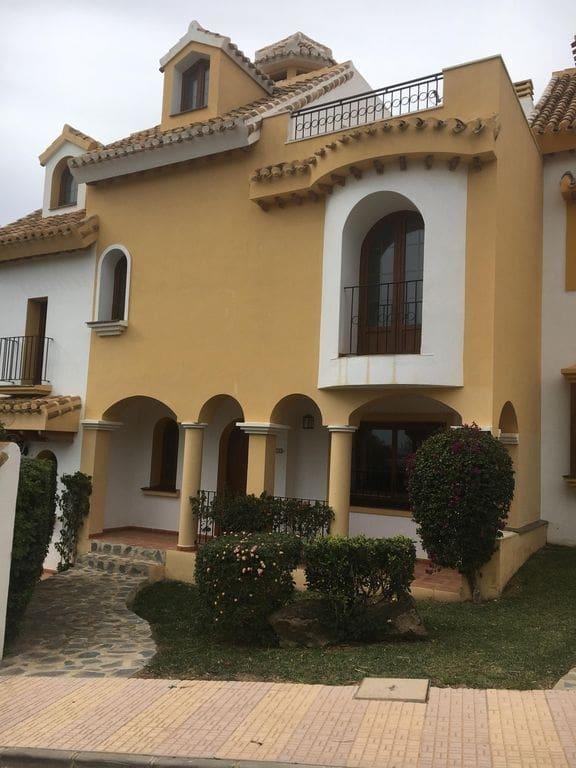 4 sypialnia Dom na kwatery wakacyjne w La Manga Club z basenem garażem - 1 500 € (Ref: 5091239)