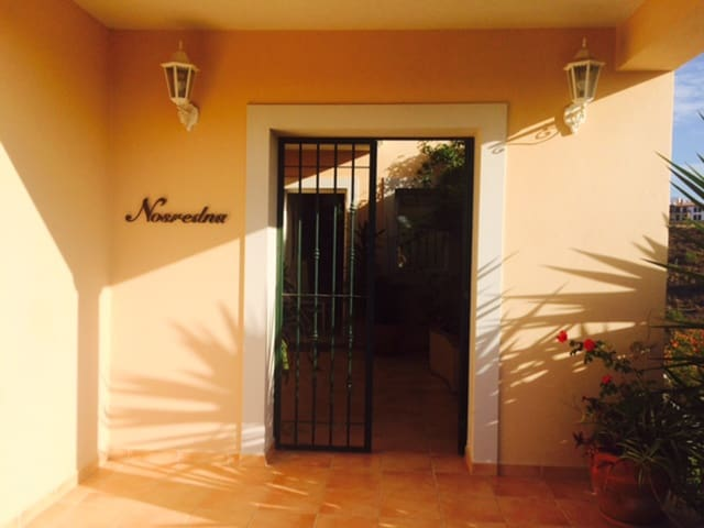 5 bedroom Villa for holiday rental in Ayamonte with pool garage - € 1,000 (Ref: 5247975)