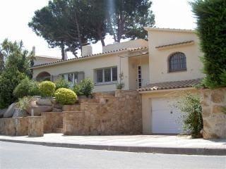 4 soverom Villa til salgs i Sant Feliu de Guixols med svømmebasseng garasje - € 1 000 (Ref: 5371508)
