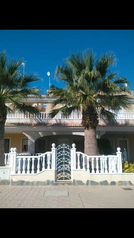 3 bedroom Townhouse for holiday rental in Los Alcazares with pool garage - € 500 (Ref: 5579521)